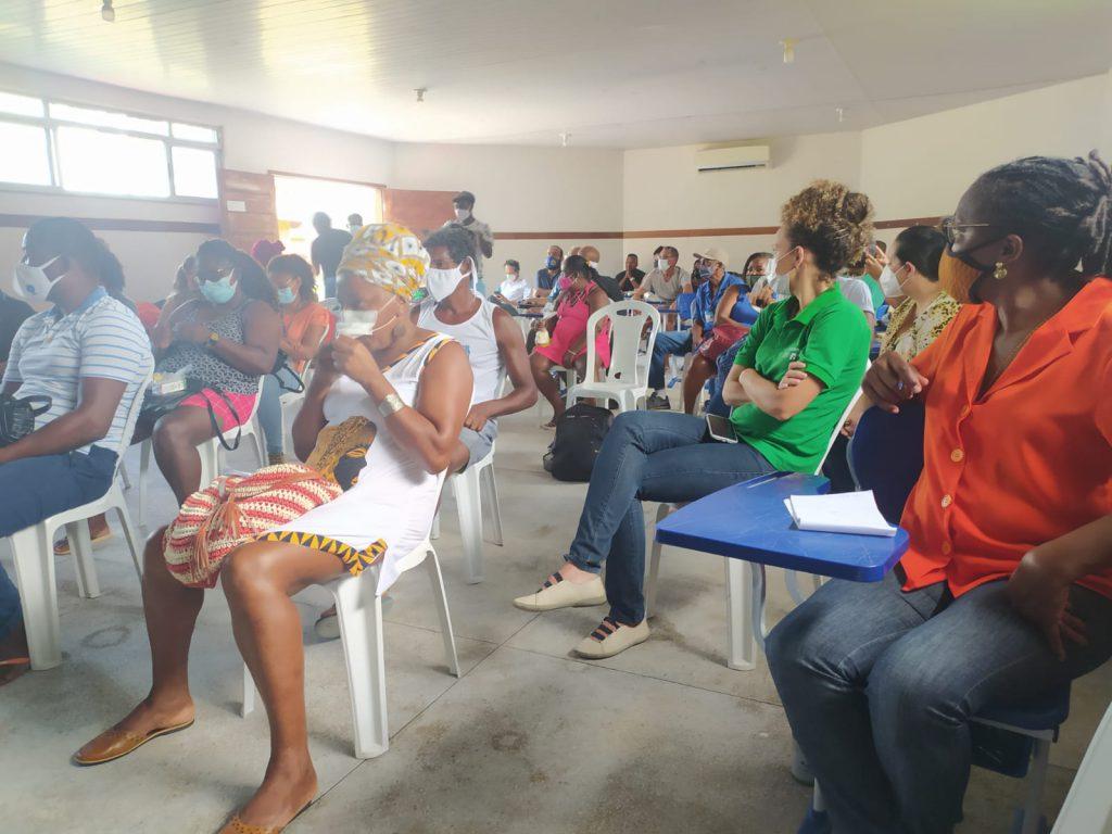 A coordenadora Eva Rodrigues (de verde) e a ouvidora adjunta, Zenilda Natividade (de laranja), representaram a DPE/BA na atividade